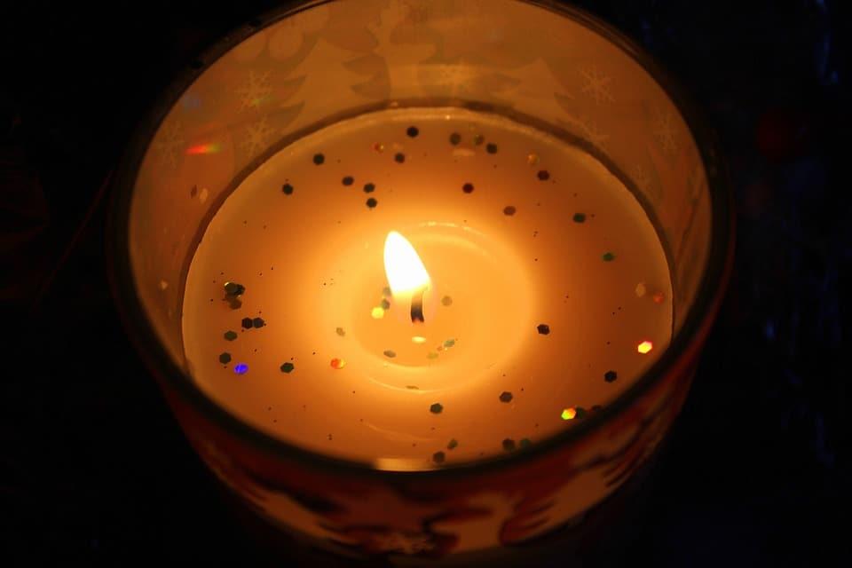 faire des bougies parfum es dans des bols en pl tre. Black Bedroom Furniture Sets. Home Design Ideas